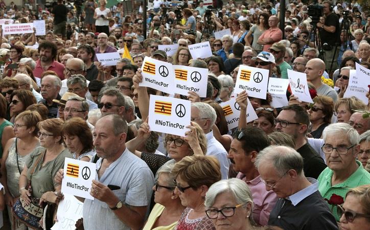 Protestan medio millón de personas en Cataluña contra el terrorismo