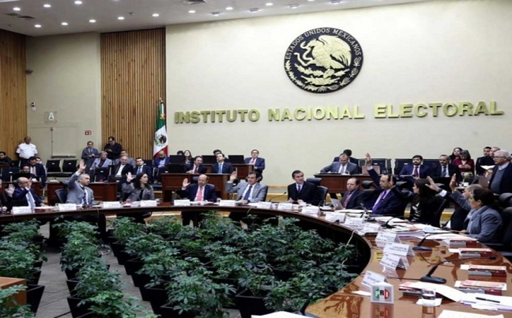 INE planea que presidenciables debatan 3 veces