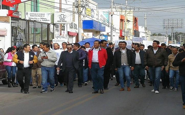 Marchan estudiantes para exigir justicia en torno a asesinato de estudiantes en Calera