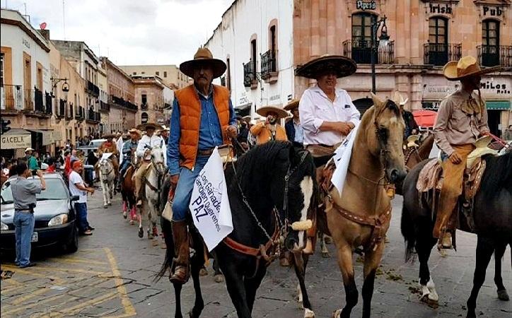 Ganaderos también exigen paz en Zacatecas durante cabalgata