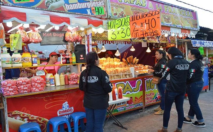 PROFECO supervisa a comerciantes de la FENAZA 2017