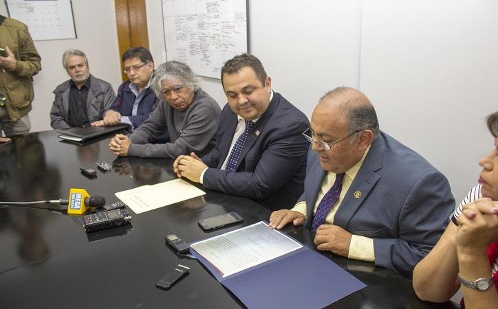"""Luis Flores Romero, ganador del Premio Nacional de Poesía """"Ramón López Velarde"""""""