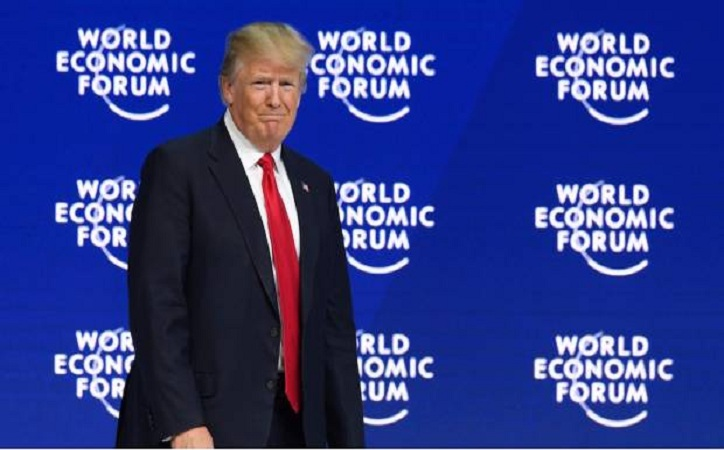 """Trump es abucheado en Davos por criticar a la """"prensa falsa"""""""