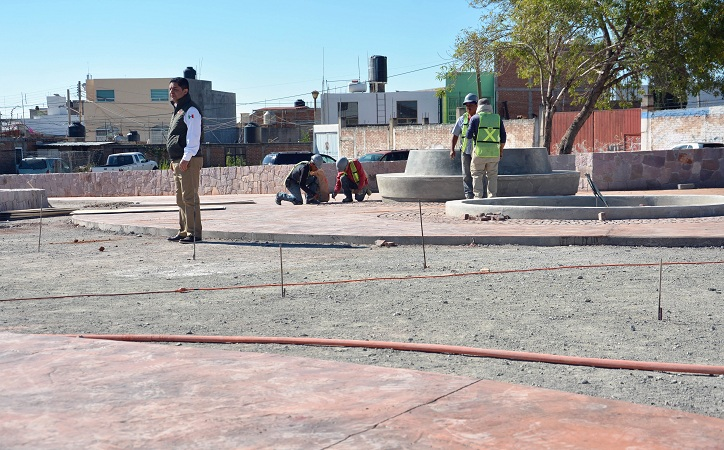 """Supervisan avance de obra en  """"Plaza de las Garantías"""", Guadalupe"""