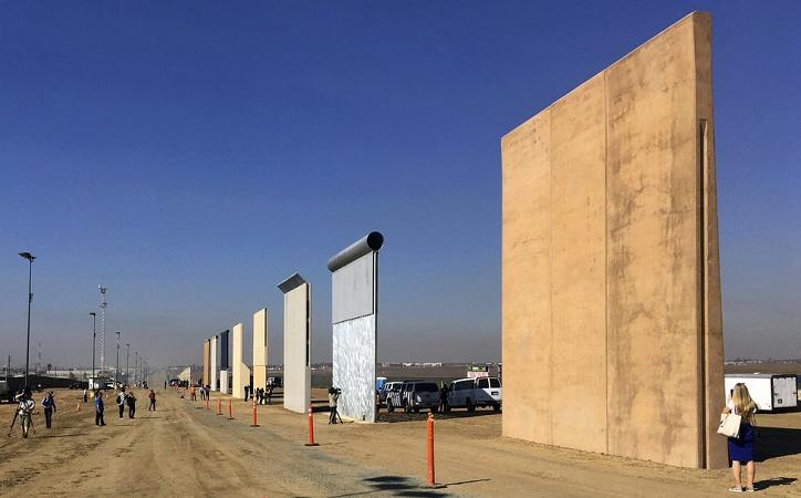 Comienza construcción de muro en la frontera de California con México