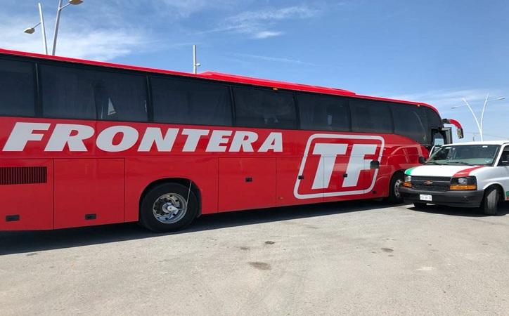 Aseguran en Trancoso a 15 migrantes centroamericanos; viajaban en un autobús