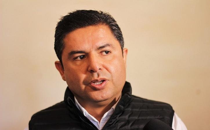 Enrique Flores el más querido… Por la oposición