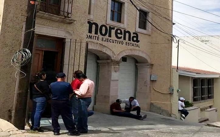 Acusan de madruguete y traición a jurídico de Morena tras imposición de nuevo dirigente [audio y documentos]