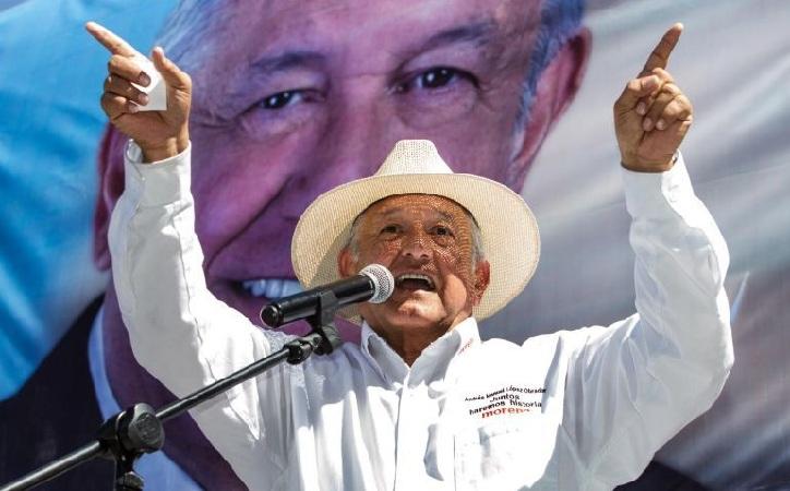López Obrador da voto de confianza al INE