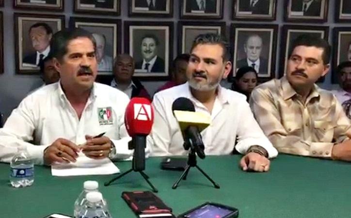 """Presenta PRI a Víctor Armas como candidato al distrito 3 local, """"es congruencia"""", dice"""