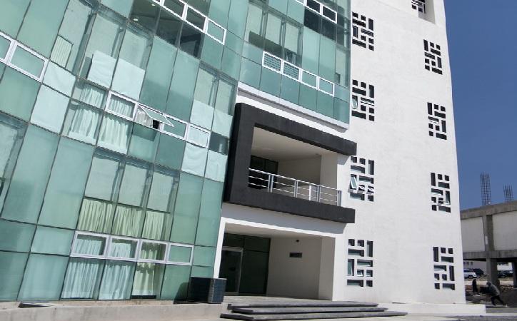 Liberan torre de rectoría al acordarsesolución en temas administrativos