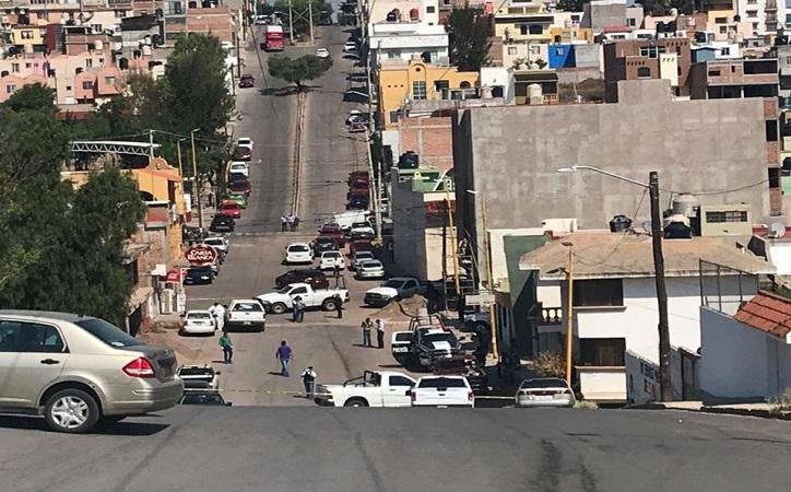 Muerta y desnuda, encuentran a mujer dentro de registro de drenaje en Arboledas