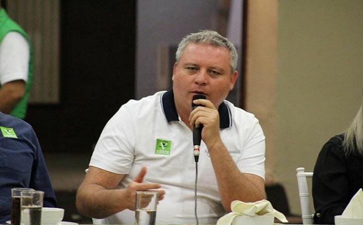 Salvador Llamas declina asistir a debate del distrito 1 porque sus oponentes no aceptaron