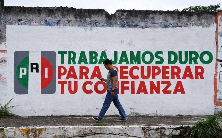"""El PRI podría hasta cambiar sus siglas """"para reconsiderar identidad ideológica"""""""