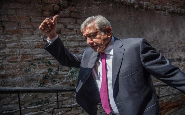 """""""No vayan a salir con tonterías"""", pide AMLO a gobernadores, alcaldes y diputados electos"""
