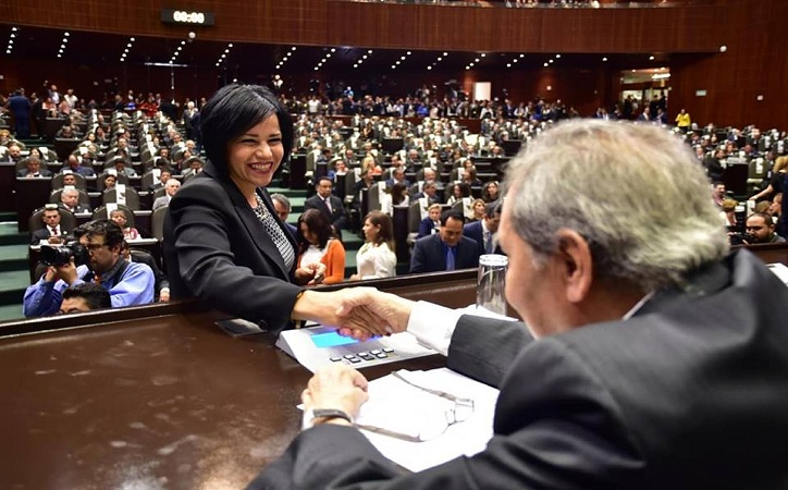 Llama Mirna Maldonado al alcalde de Sombrerete para que respete la Ley en despidos de trabajadores