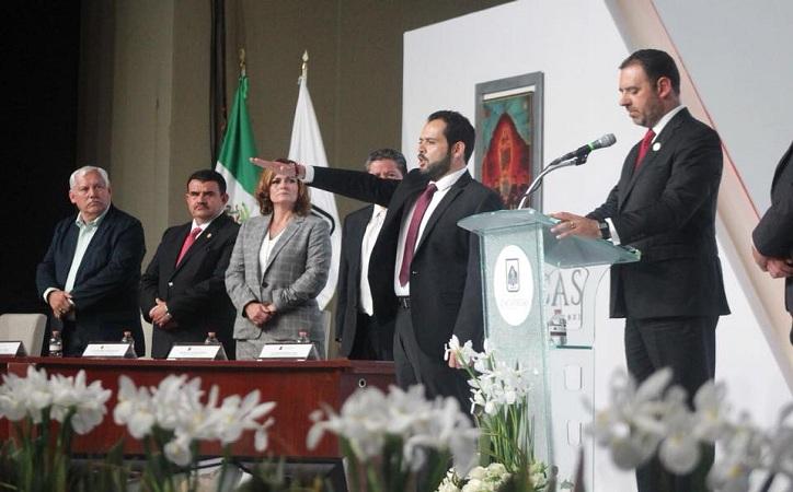 Participación plural y democrática marcará el rumbo del municipio: Ulises Mejía rinde protesta como alcalde capitalino