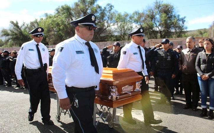 Realizan homenaje a mujer policía asesinada en la capital