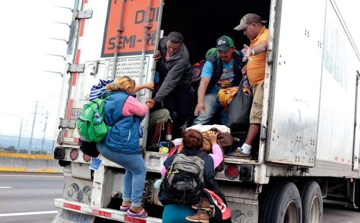 El éxodo de migrantes; 4 caravanas recorren el país y viene una quinta