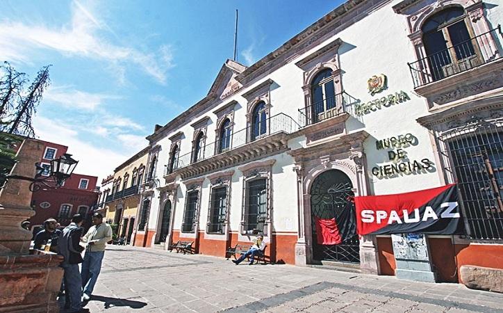 SPAUAZ llama a comparecer al rector; podría emplazar a huelga