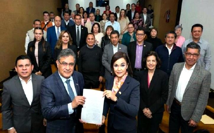 Soralla Bañuelos impide que Elba Esther regrese a liderar el SNTE, para eso pidió licencia en LXIII Legislatura