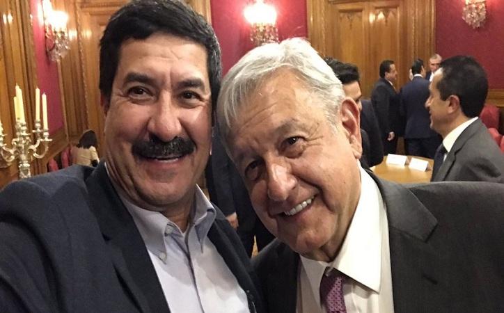 """Gobernadores y AMLO descartan funciones de seguridad para """"superdelegados"""""""