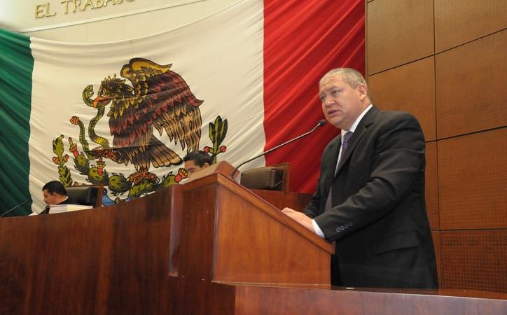 Reta Javier Calzada a Soledad Luévano para debatir sobre presupuesto local