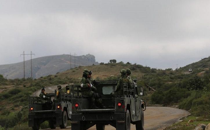 Se enfrenta Ejército contra convoy armado en Valparaíso