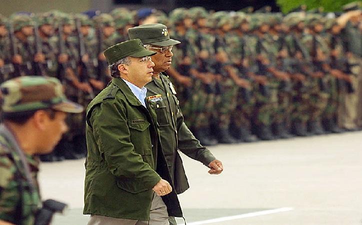 Urgen a Calderón perdón por guerra al narco