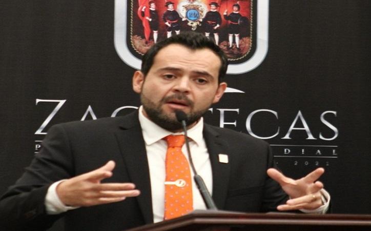 Condena alcalde asesinato del hijo de su Secretario de Gobierno