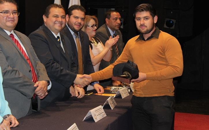 Exhorta rector a universitarios a ser agentes de la democracia política y la cohesión social