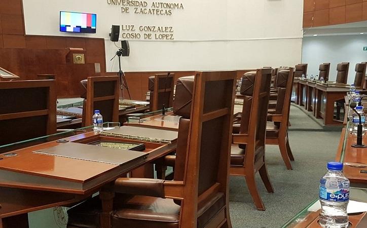 Descontarán día por falta a diputados, $2670 pesos una ausencia; en 4 sesiones han roto quorum y en 7 ni siquiera se presentaron
