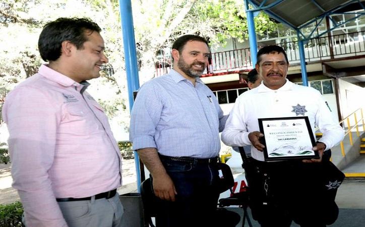 Superan el rezago educativo mil 500 adultos zacatecanos