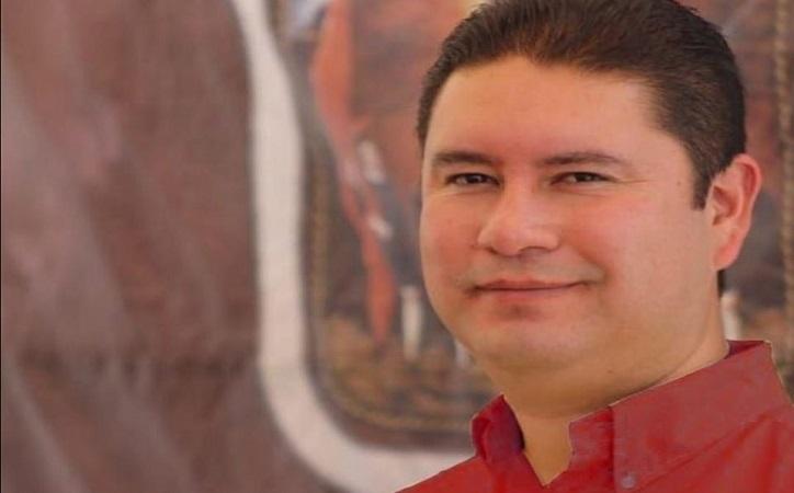 Ratifican a Iván de Santiago como Secretario General del Ayuntamiento capitalino