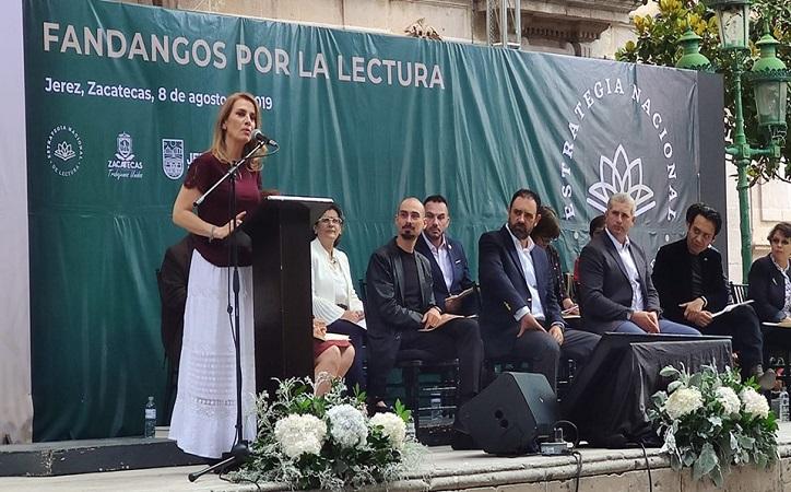 """""""Leer te hace libre"""" expresa Beatriz Gutiérrez al presentar programa Fandangos por la Lectura en Jerez"""
