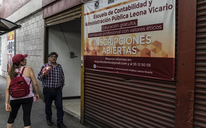 Las 100 universidades fantasma de López Obrador