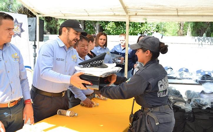 Entregan uniformes a los elementos de la Dirección de Seguridad Pública y Tránsito Municipal de Villanueva