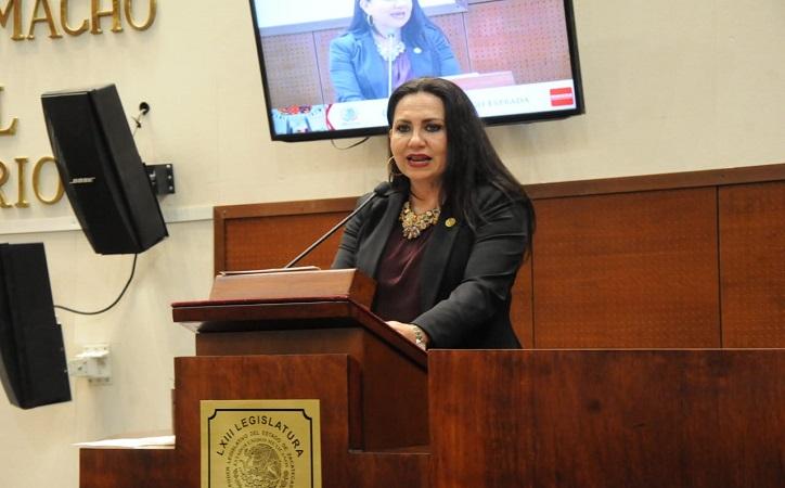 Mónica Borrego presenta iniciativa para incorporar delito de facturación simulada