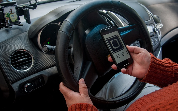Ley de Movilidad busca regular Uber y Cabify; deberán contar con permiso