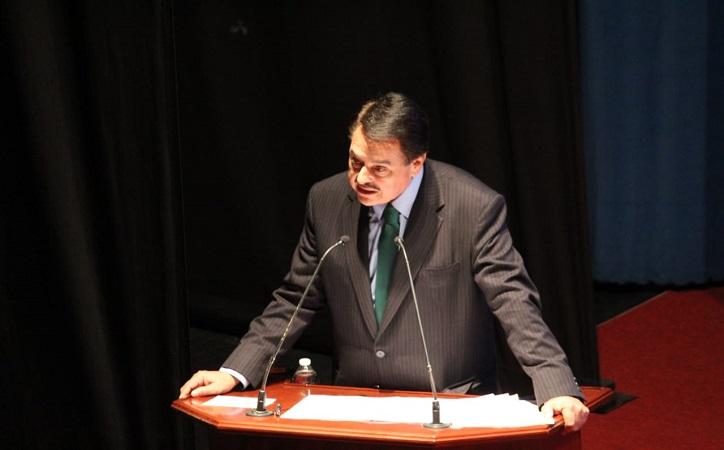 Femat rinde primer informe como diputado federal