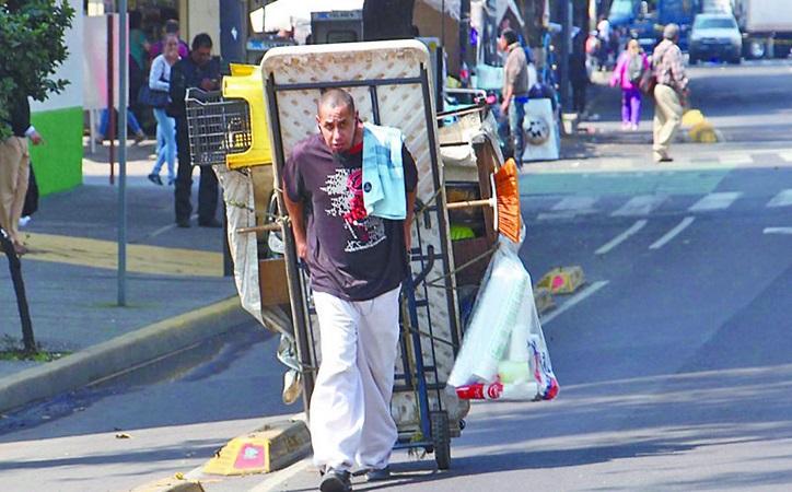 Pobreza laboral, con un ligero repunte a nivel nacional: Coneval
