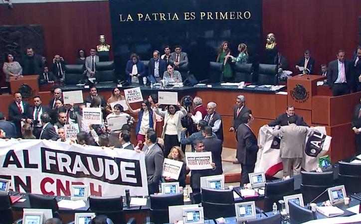 En medio de trifulca, Rosario Piedra protesta como presidenta de la CNDH; Luévano protagoniza y Anaya iniciará proceso legal en contra