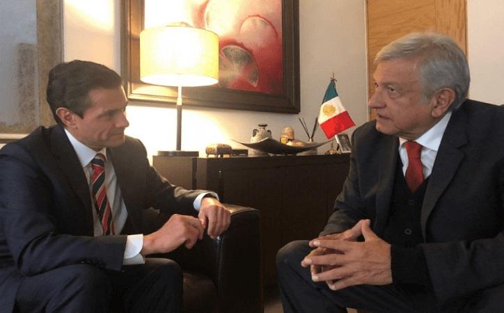 """López Obrador rechaza """"pacto secreto"""" con Peña Nieto"""