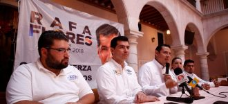 Otros candidatos en sus reuniones no tienen más de cinco seguidores: Rafael Flores