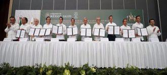 AMLO firma convenio con gobernadores: el Ejecutivo se hará cargo de todo el sistema de salud