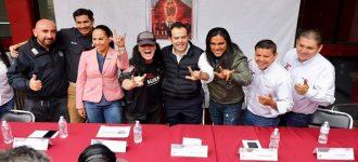 Recibe Ulises Mejía a Dave Evans, exvocalista de AC/DC, en Zacatecas